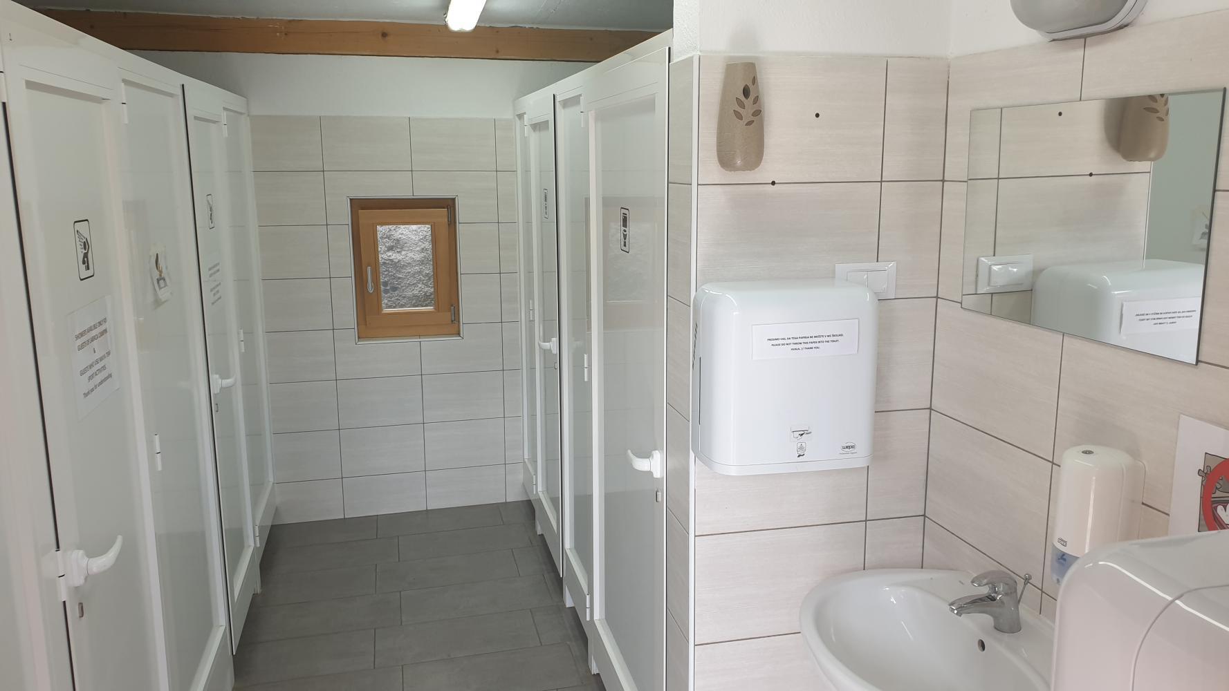 Sanitarije kamp Labrca